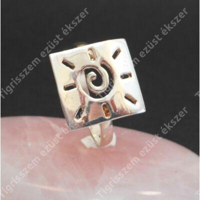 Ezüst  női gyűrű kő nélküli szögletes 58-as