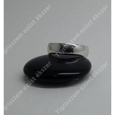 Ezüst gyűrű 7mm széles sima karika,64-es