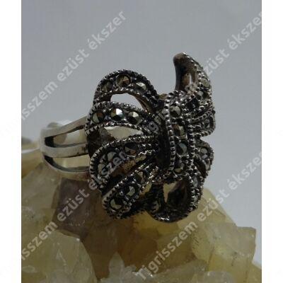 Ezüst gyűrű markazit köves masni,  55-ös