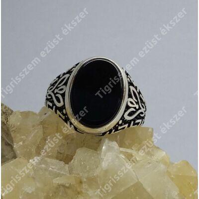 Ezüst gyűrű ffi ,onix,ovális  56-os