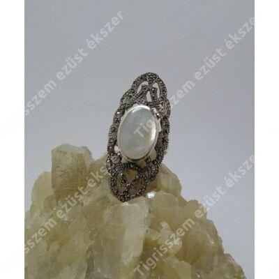 Ezüst gyöngyház és markazit köves gyűrű 58-as