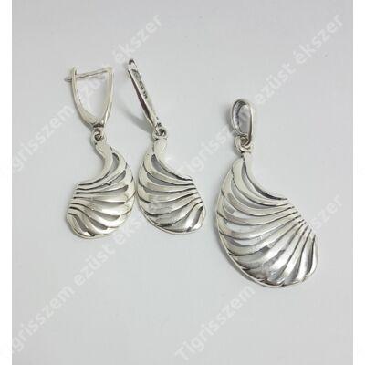 Ezüst szett (medál és fülbevaló) kő nélkül