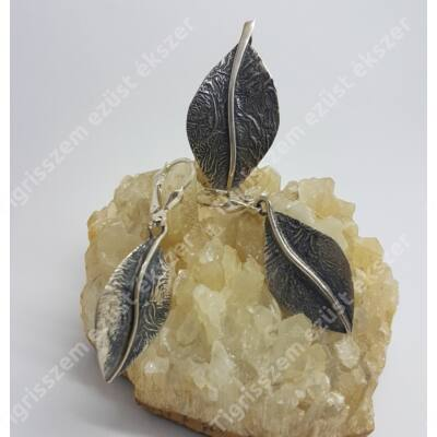 Ezüst szett (medál és fülbevaló) antikolt levél