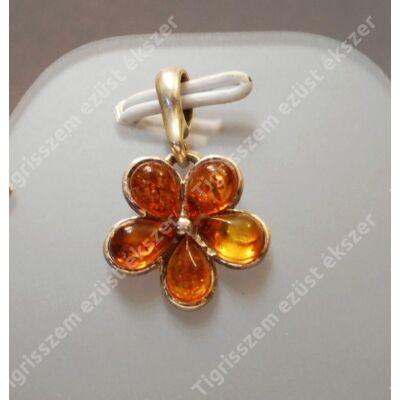 Ezüst  medál 5 db méz színű  borostyánnal, virág forma