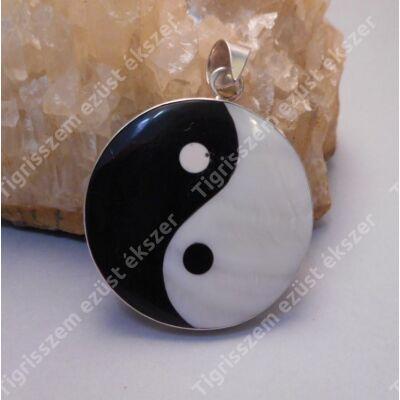 Ezüst  medál gyöngyházzal jin-jang