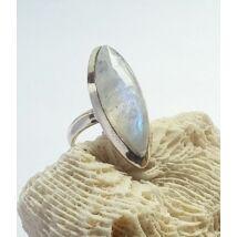 Ezüst gyűrű HOLDKŐVEL 54-es