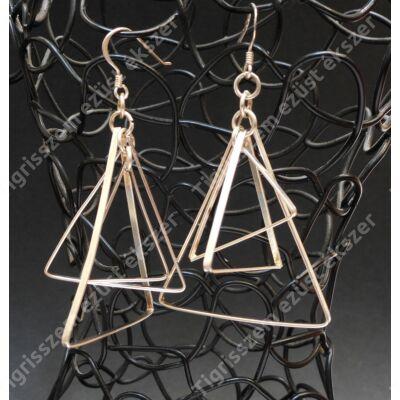 Ezüst fülbevaló tripla háromszög antikolt ,csüngős
