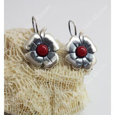 Ezüst fülbevaló korall kővel,kézzel készült,lóhere