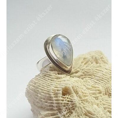 Ezüst gyűrű HOLDKŐVEL 57-es