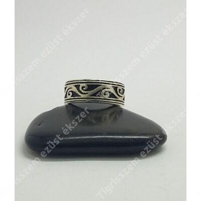 Ezüst ffi gyűrű széles,mintás karika 59-es