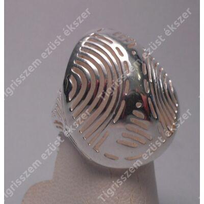 Ezüst női  gyűrű kőnélküli,ovális,áttört mintás.