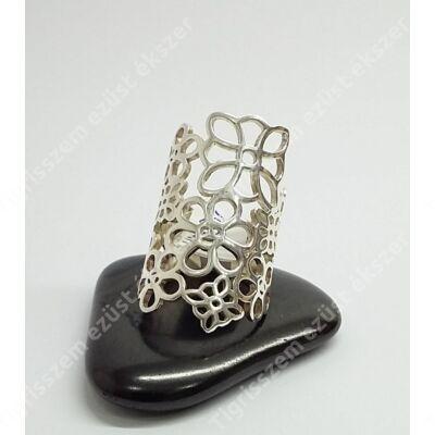 Ezüst gyűrű,áttört virág 53-as