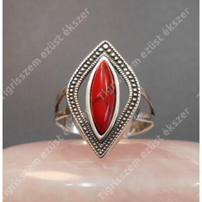 Ezüst gyűrű  KORALL  kővel