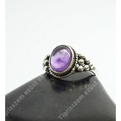 Ezüst gyűrű ametiszt kővel 52-es