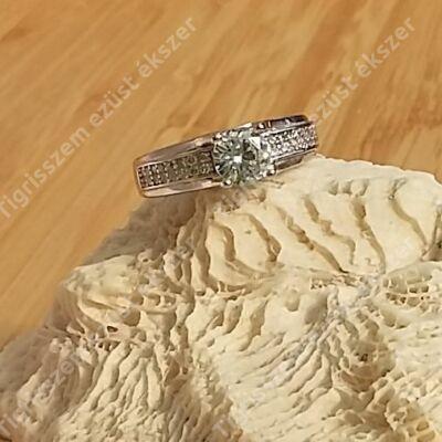 Ezüst gyűrű cirkónia kővel 53-as