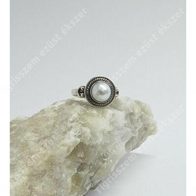 Ezüst gyűrű gyönggyel  54-es