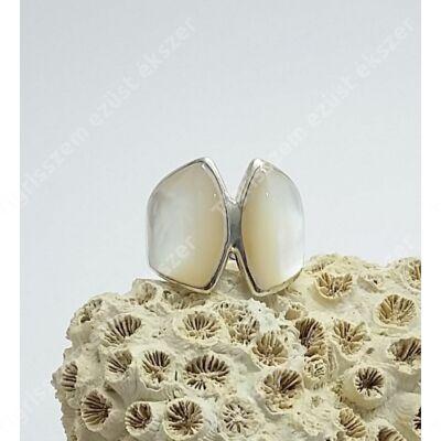 Ezüst gyűrű gyöngyház 54-es