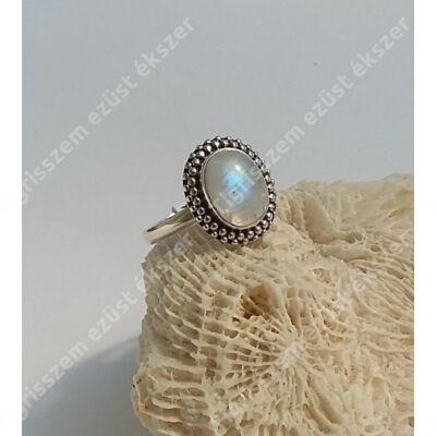 Ezüst gyűrű HOLDKŐVEL 56-os