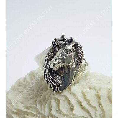 Ezüst gyűrű,lófej 62-es