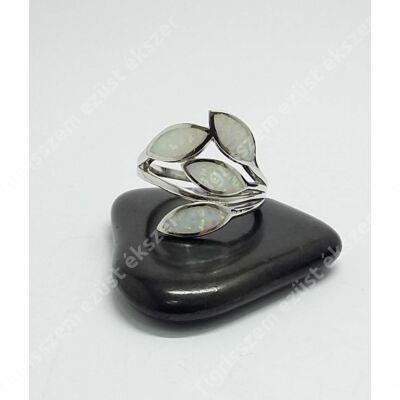 Ezüst gyűrű leveles,fehér színű opállal 57-es