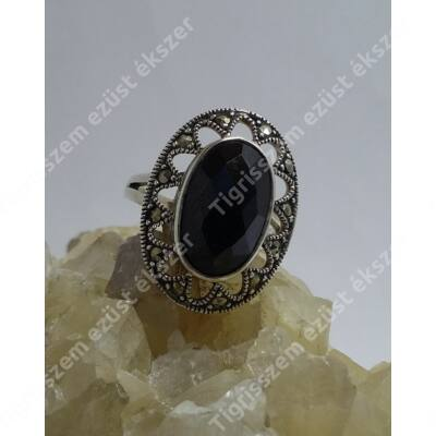 Ezüst gyűrű onix és markazit köves 51-es
