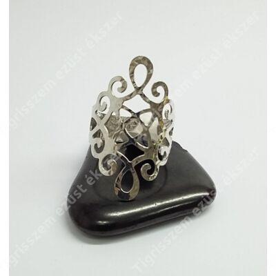 Ezüst gyűrű,áttört,vésett  58-as
