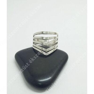 Ezüst gyűrű csúcsos 58-as